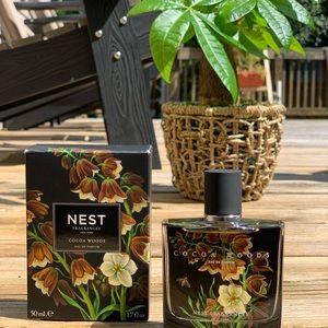 Nest Cocoa Woods fragrance